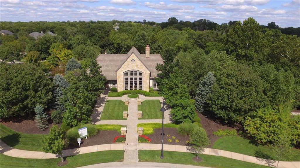 8533 N McKinley Avenue Property Photo - Kansas City, MO real estate listing