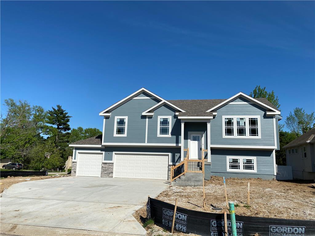 8804 W Longview Parkway Property Photo - Kansas City, MO real estate listing