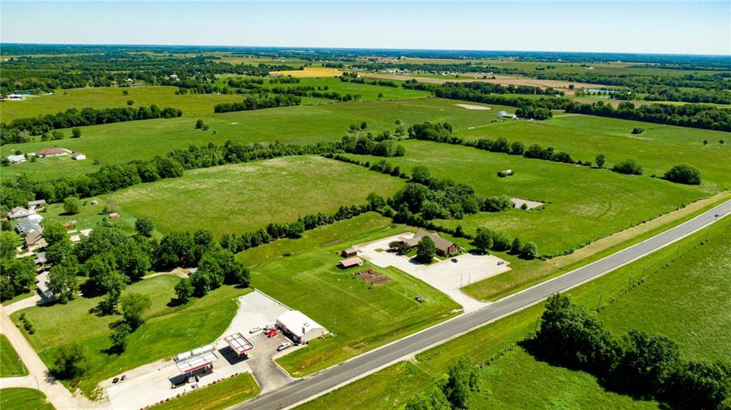 56 +/- Acres Highway Property Photo - Clinton, MO real estate listing