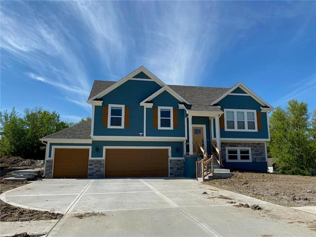 12204 E 68th Street Property Photo - Kansas City, MO real estate listing