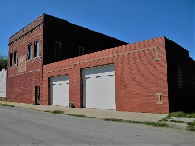 1805 Commercial Street Property Photo - St Joseph, MO real estate listing