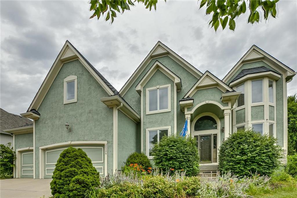 20324 W 94th Terrace Property Photo - Lenexa, KS real estate listing