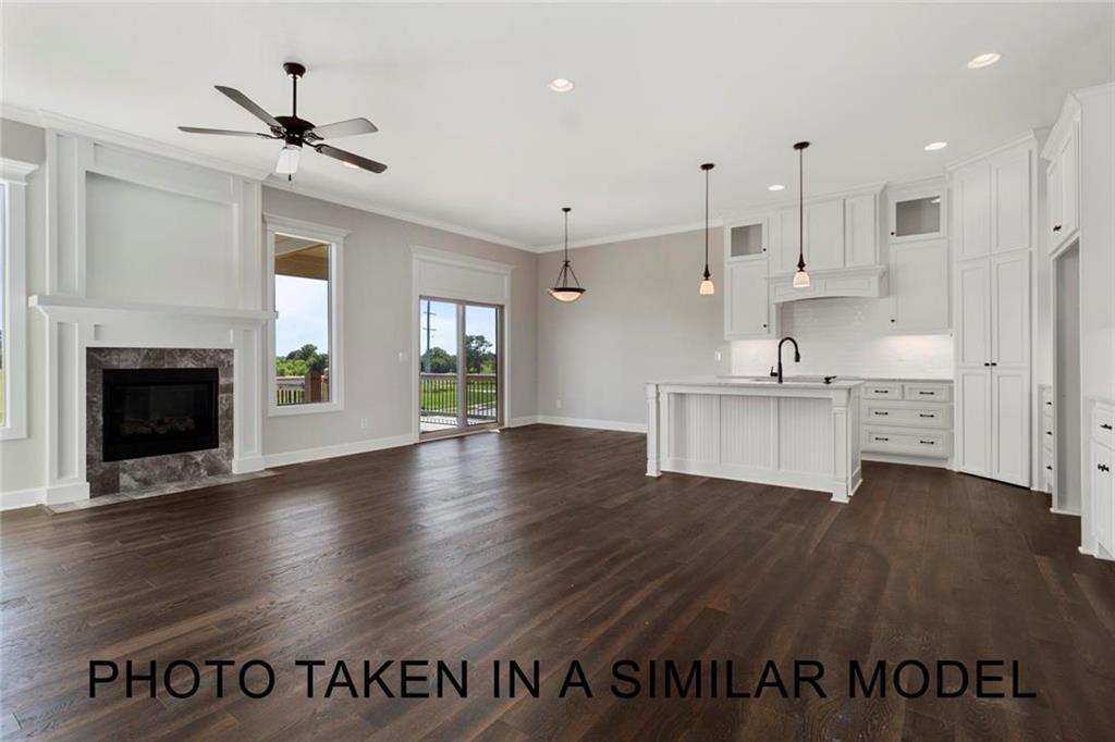 11613 S Deer Run Street Property Photo - Olathe, KS real estate listing