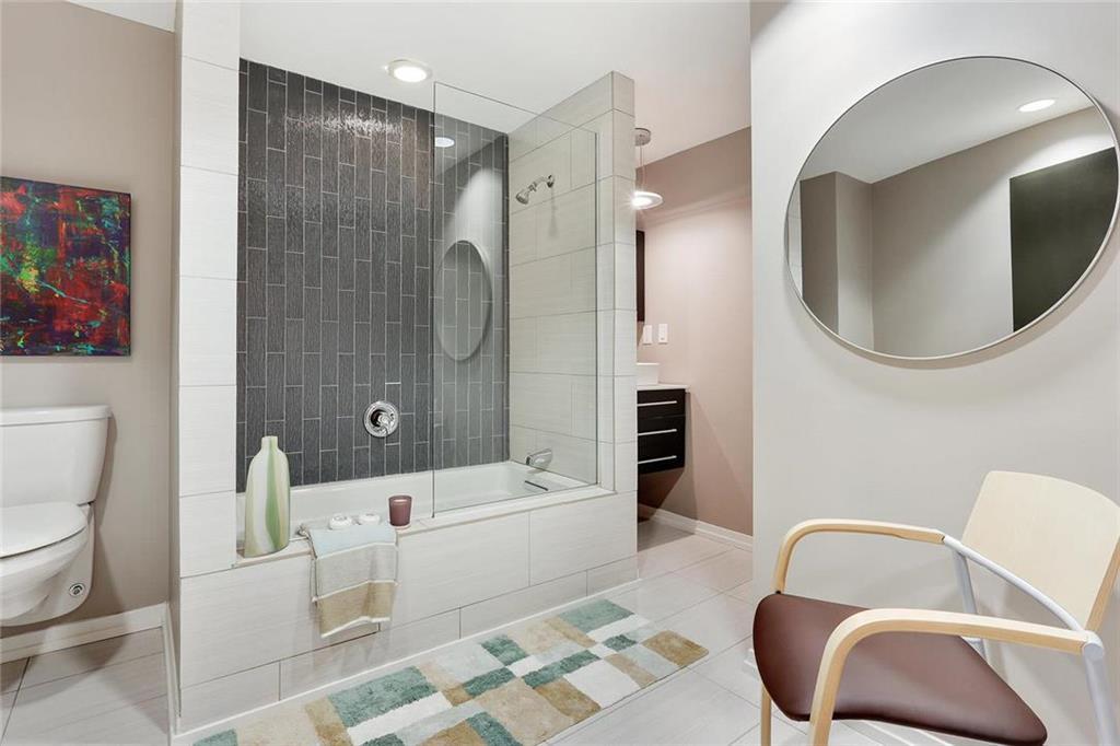 121 W 48th Street #101/103 Property Photo 22