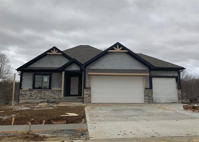 2305 NE Andromada Court Property Photo - Blue Springs, MO real estate listing