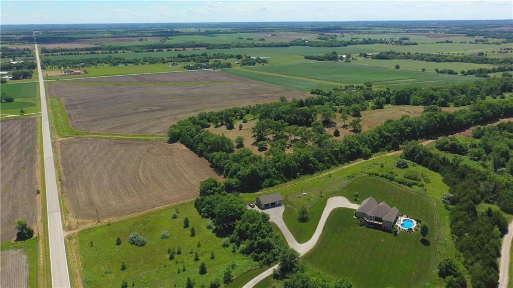 2071 N 1000 Road Property Photo - Eudora, KS real estate listing