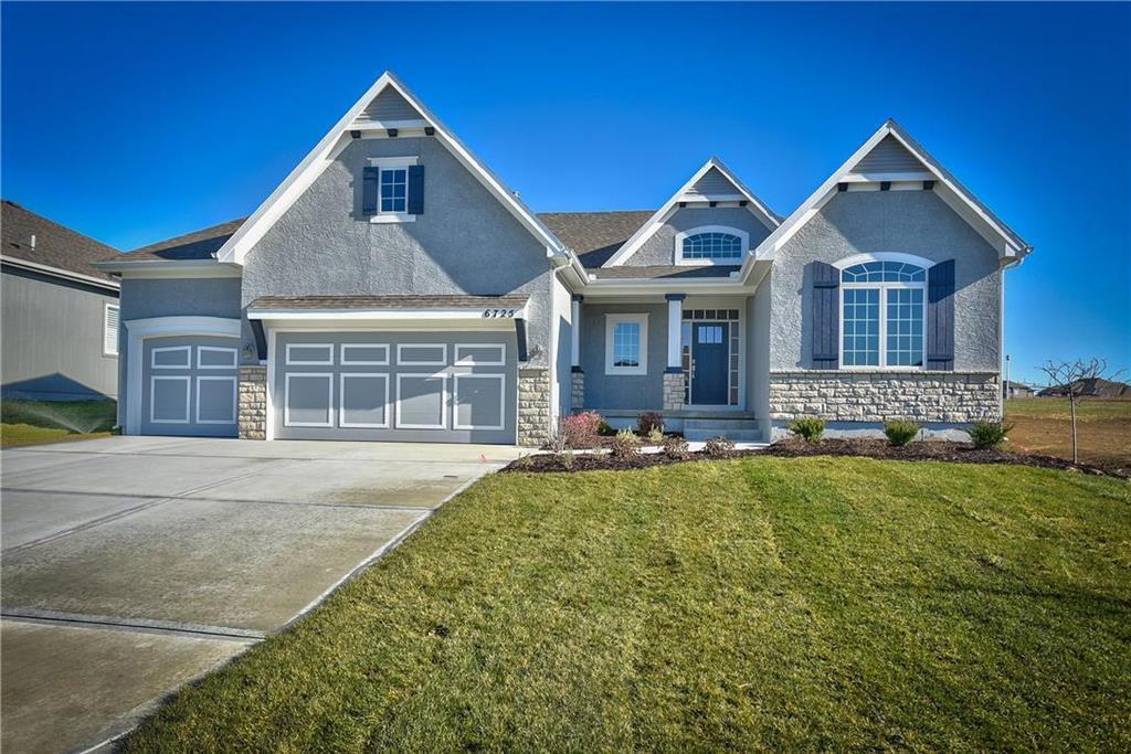 6725 Arapahoe Drive Property Photo - Shawnee, KS real estate listing