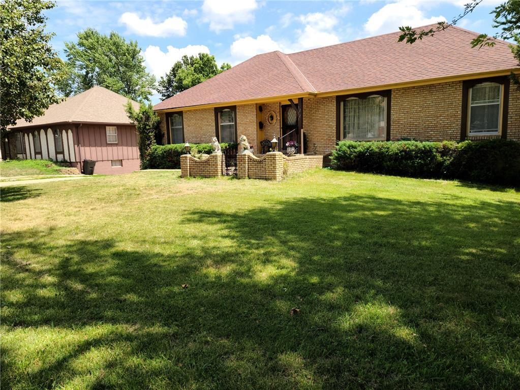 12721 Sycamore Avenue Property Photo - Grandview, MO real estate listing