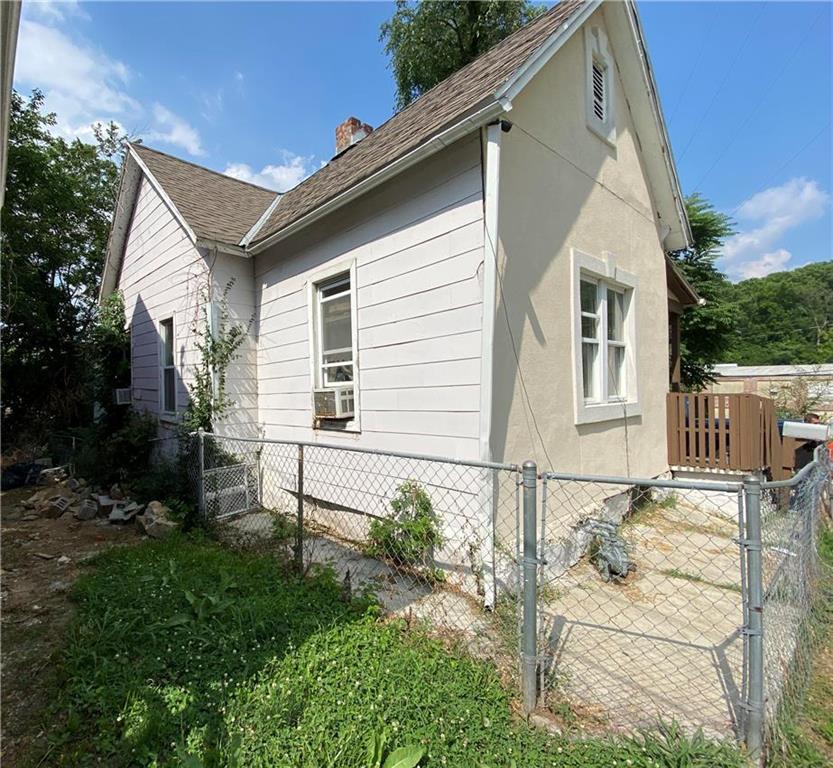 1018 W 30th Street Property Photo - Kansas City, MO real estate listing