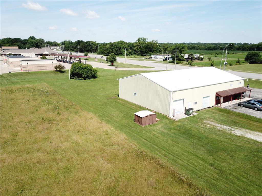 611 E Walnut Street Property Photo 12