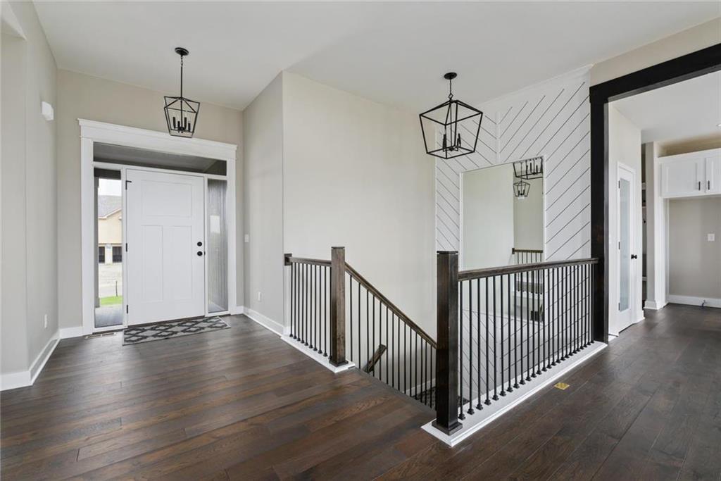 2321 NE Andromada Court Property Photo - Blue Springs, MO real estate listing