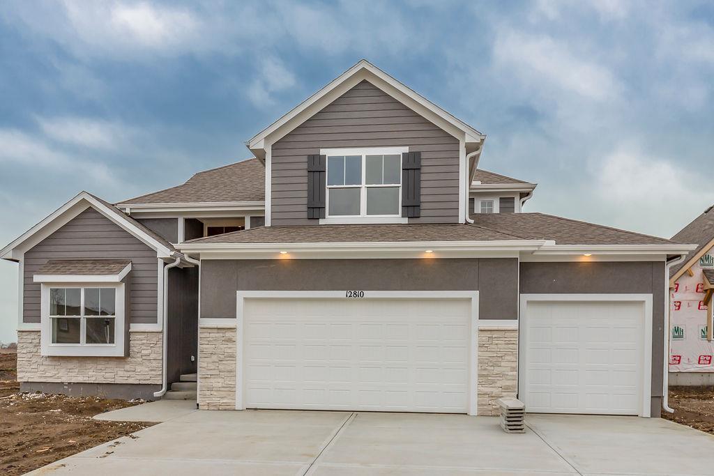 270 S Singletree Street Property Photo - Olathe, KS real estate listing