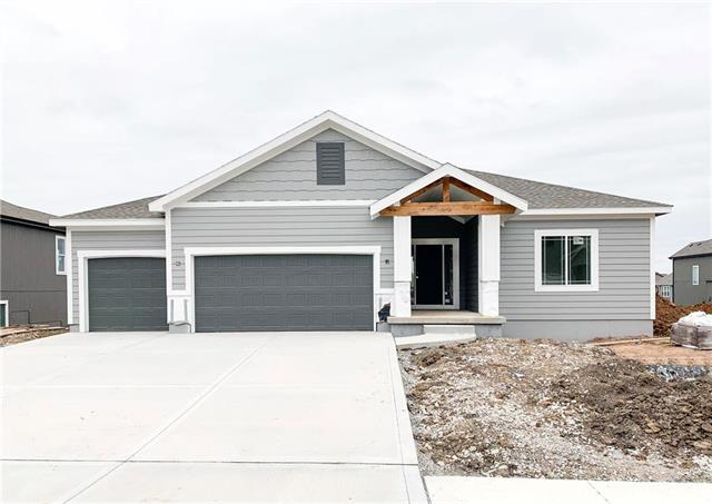 2930 SW Arbor Tree Drive Property Photo - Lee's Summit, MO real estate listing