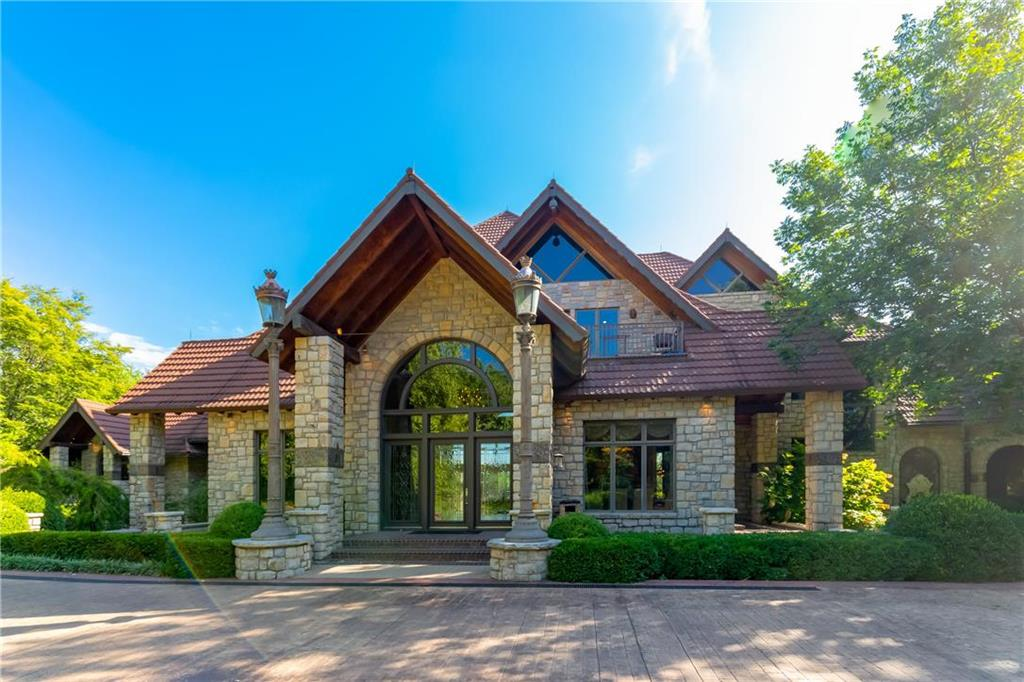 Lake Quivira Real Estate Listings Main Image