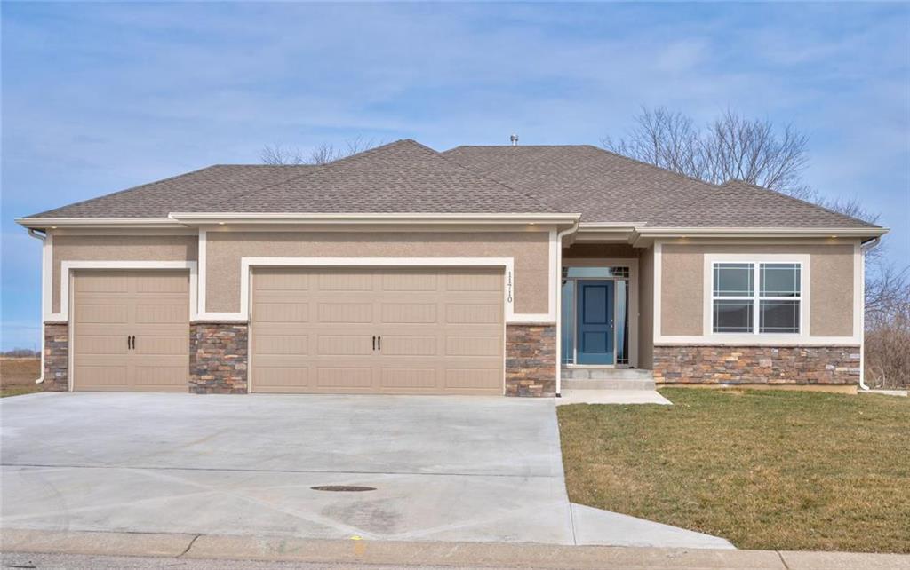 11713 E 229th Street Property Photo - Peculiar, MO real estate listing