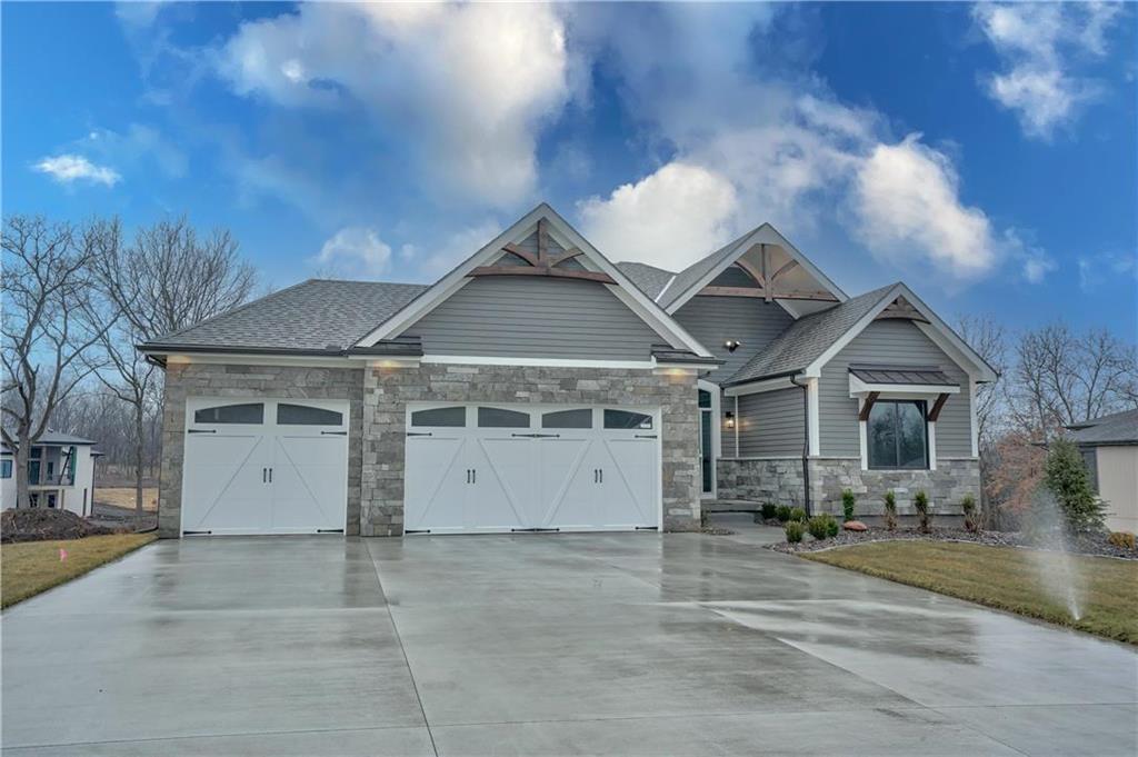 3 Buffalo Ridge Drive Property Photo - Lake Winnebago, MO real estate listing