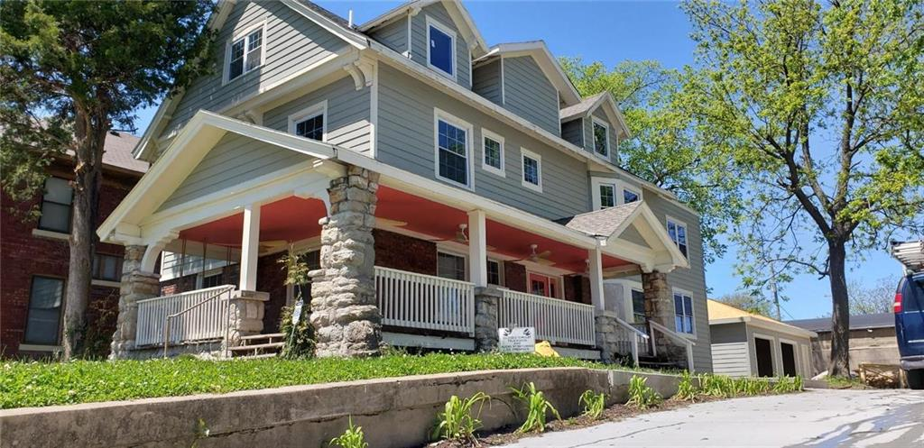 1010 E 33rd Street Property Photo - Kansas City, MO real estate listing