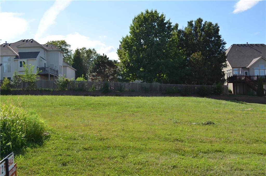 6126 N Cypress Court Property Photo