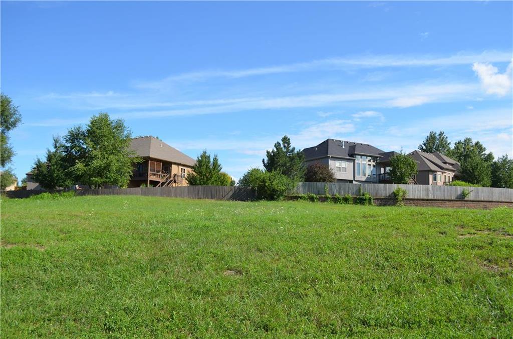6139 N Elmwood Avenue Property Photo