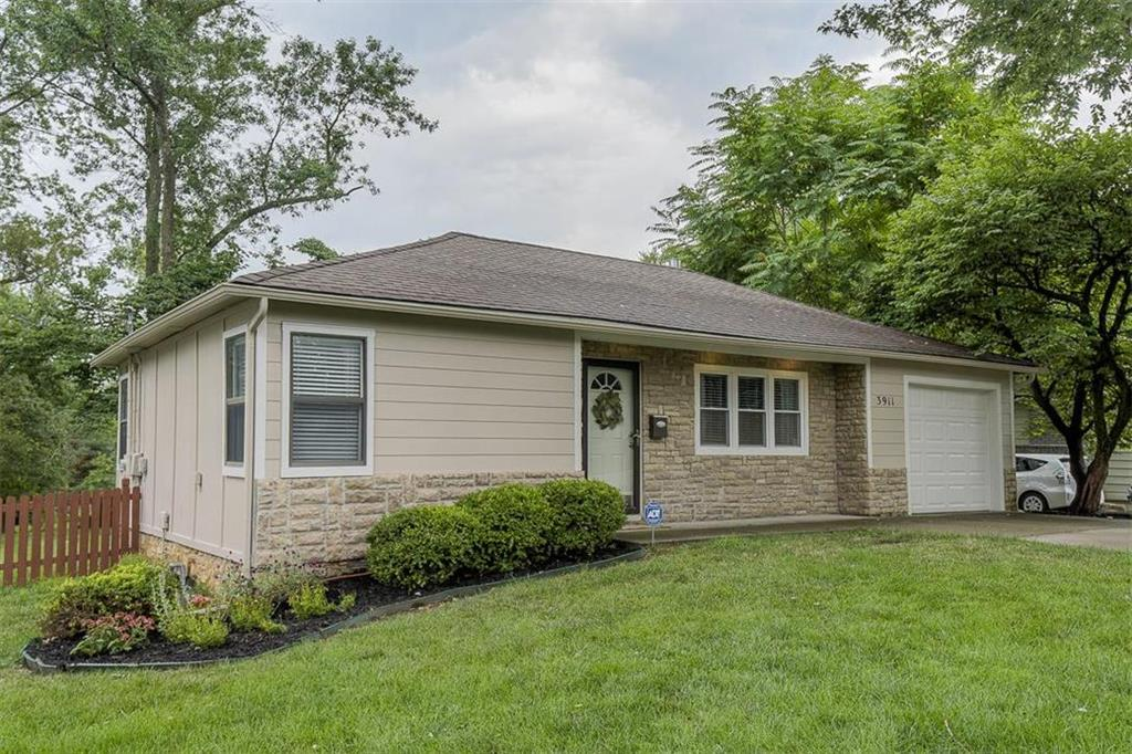 3911 W 48th Street Property Photo - Roeland Park, KS real estate listing