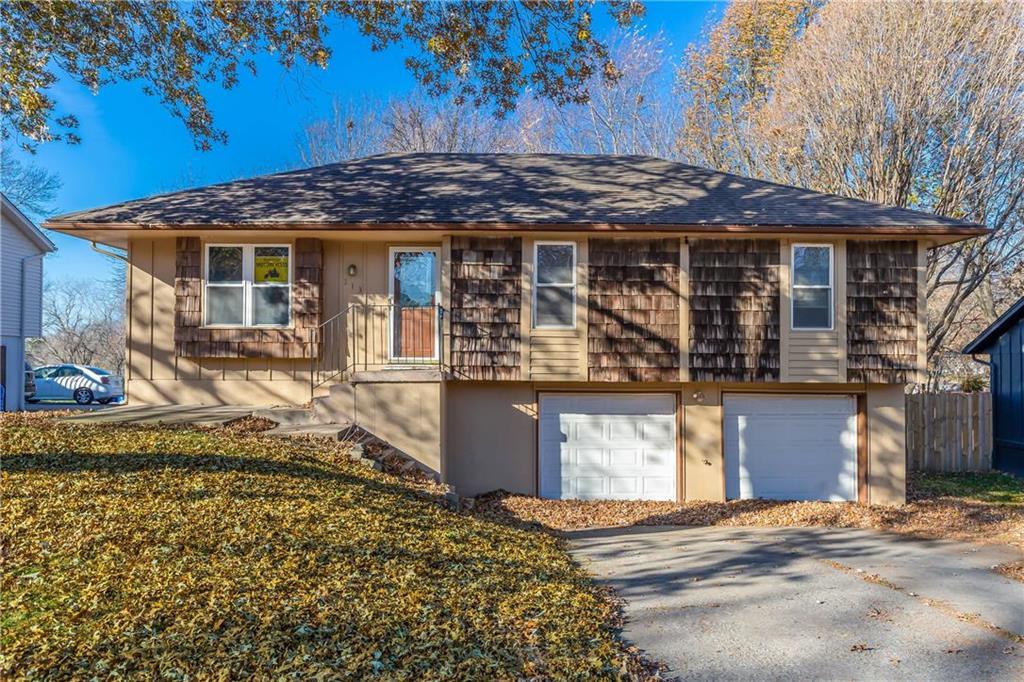 313 SE Sunnyside School Road Property Photo - Blue Springs, MO real estate listing