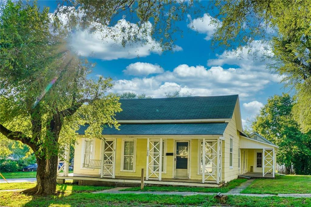 108 S Franklin Street Property Photo - Windsor, MO real estate listing
