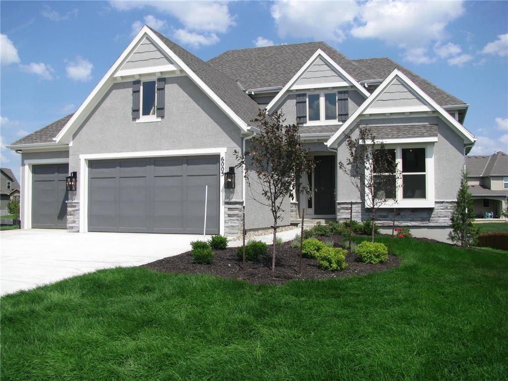 6038 Lakecrest Drive Property Photo - Shawnee, KS real estate listing