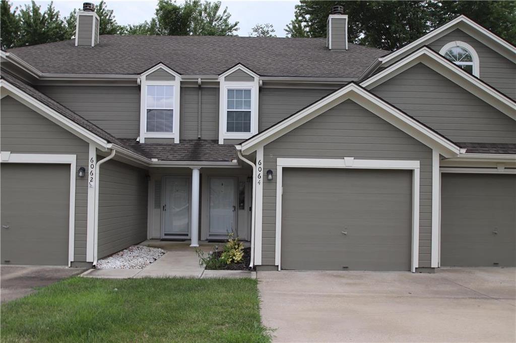 6064 NE Moonstone Drive Property Photo - Lee's Summit, MO real estate listing