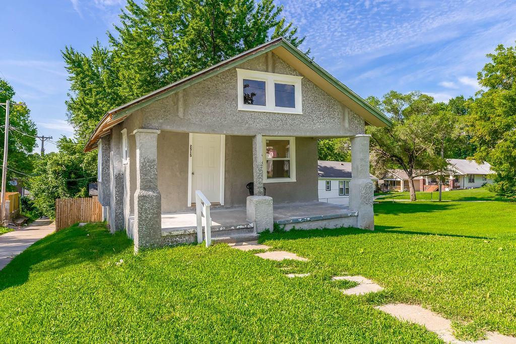 2515 Wood Avenue Property Photo 1