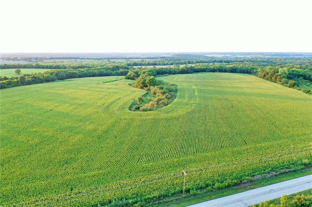 1095 Road Property Photo - Mound City, KS real estate listing