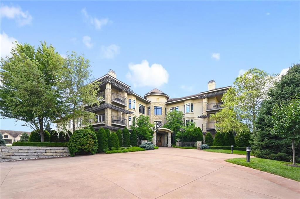 4801 W 133rd Street #205 Property Photo - Leawood, KS real estate listing