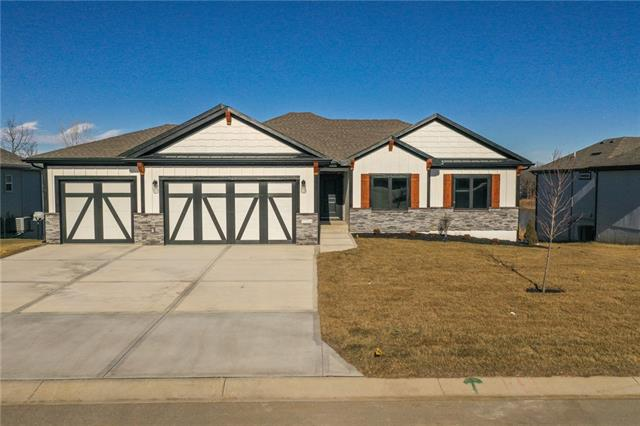 1104 NW Woodbury Drive Property Photo - Grain Valley, MO real estate listing