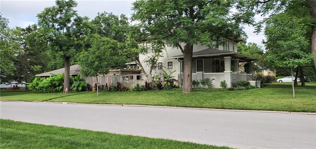 609 E Wea Street Property Photo - Paola, KS real estate listing