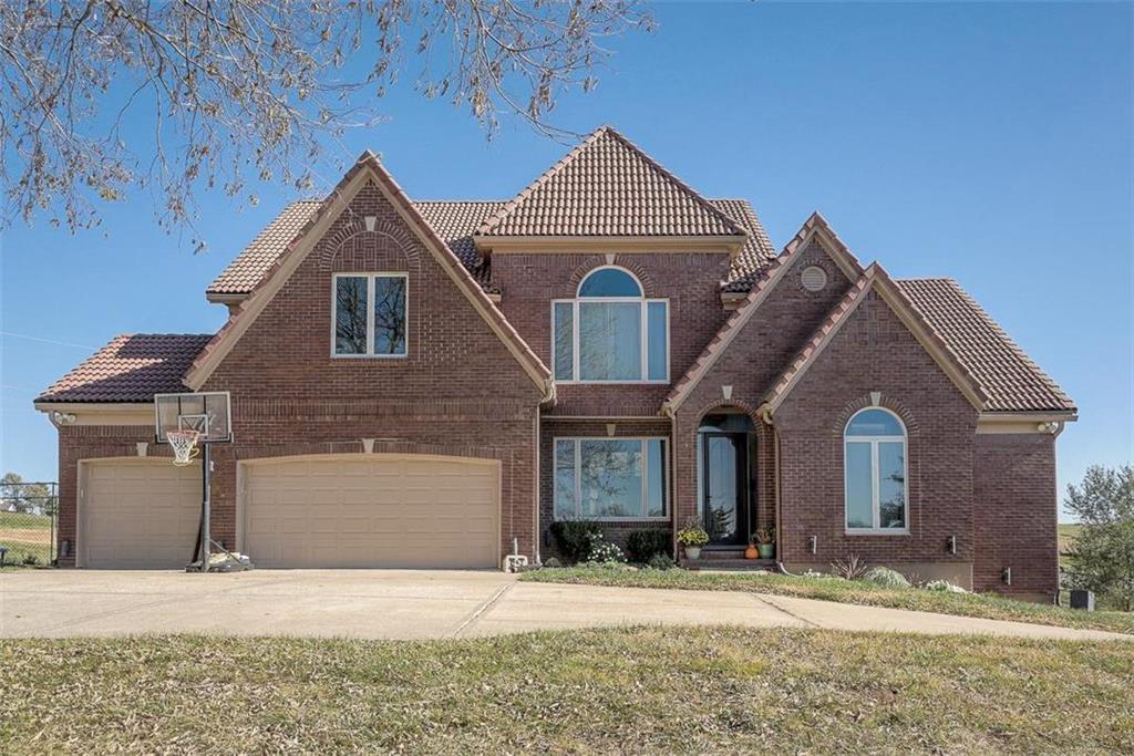 64156 Real Estate Listings Main Image