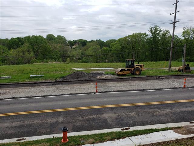 3701 N Oak Trafficway Property Photo 1