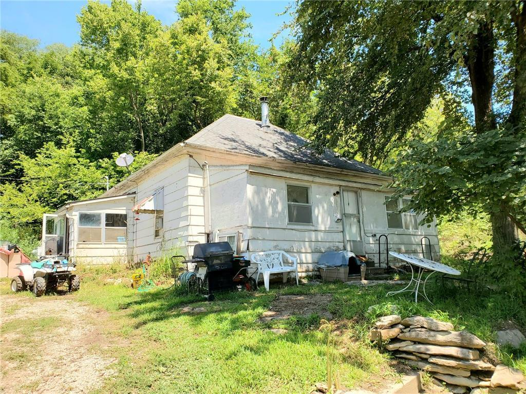 21844 Umphrey Road Property Photo - Lacygne, KS real estate listing