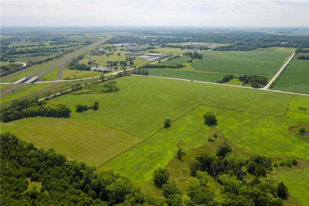 1420 E 2300 Road Property Photo - Eudora, KS real estate listing