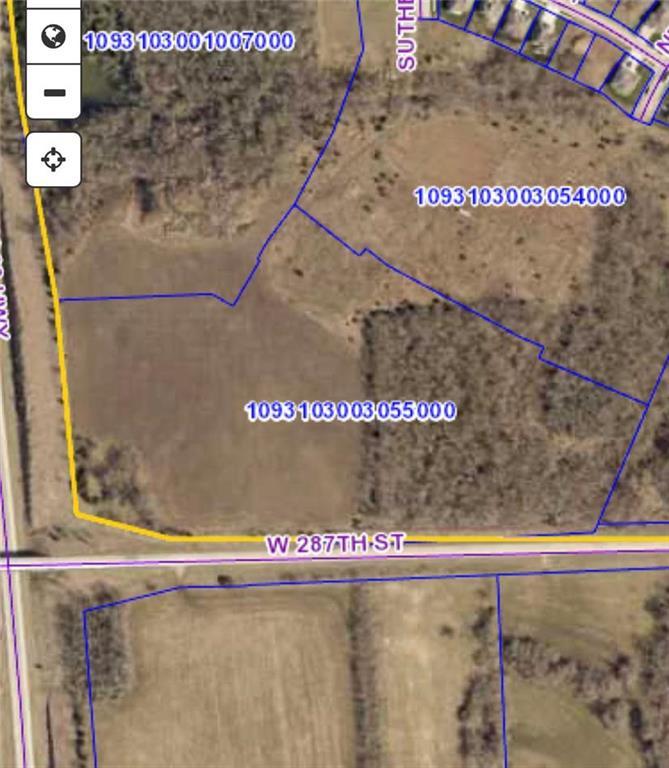 287th Street Property Photo - Louisburg, KS real estate listing