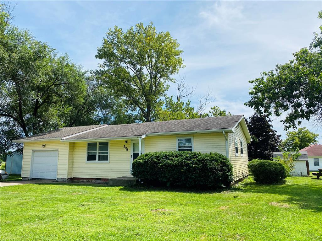 206 E Second Street Property Photo - Chillicothe, MO real estate listing