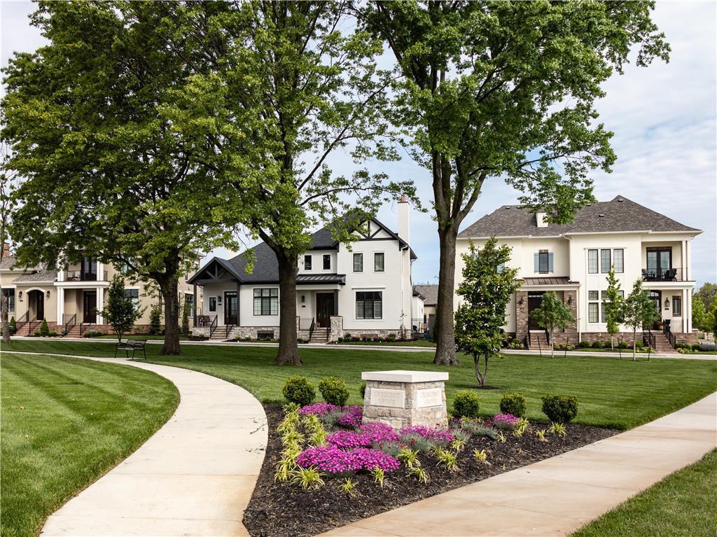 5211 Meadowbrook Parkway Property Photo - Prairie Village, KS real estate listing