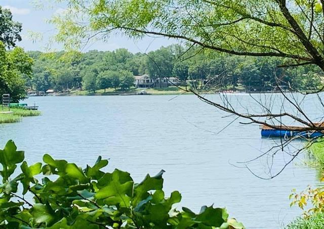 102 SE Lakeside Drive Property Photo - Lacygne, KS real estate listing