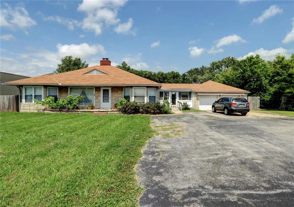 17004 US-24 Highway Property Photo - Independence, MO real estate listing