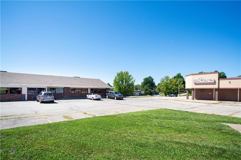 2204 N Belt Highway Property Photo - St Joseph, MO real estate listing