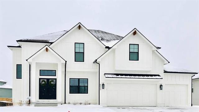 8042 NE 102nd Street Property Photo - Kansas City, MO real estate listing