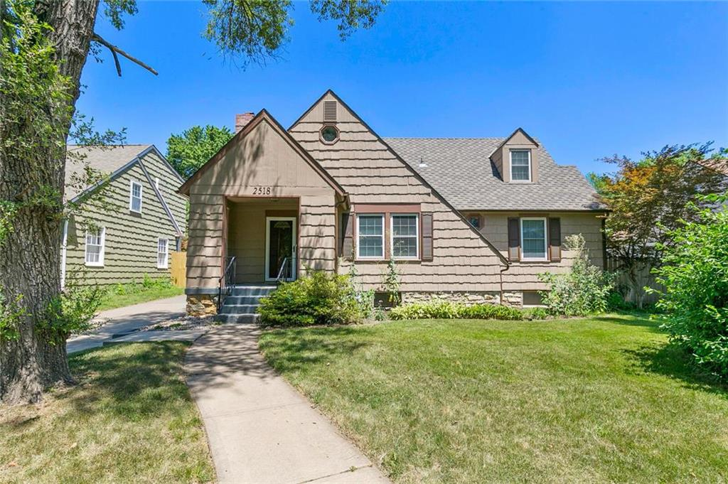 2518 W 50th Place Property Photo - Westwood, KS real estate listing