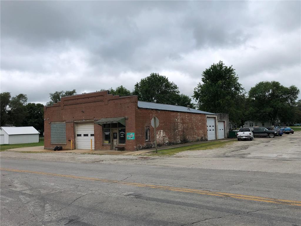 220 Sw Missouri Avenue Property Photo