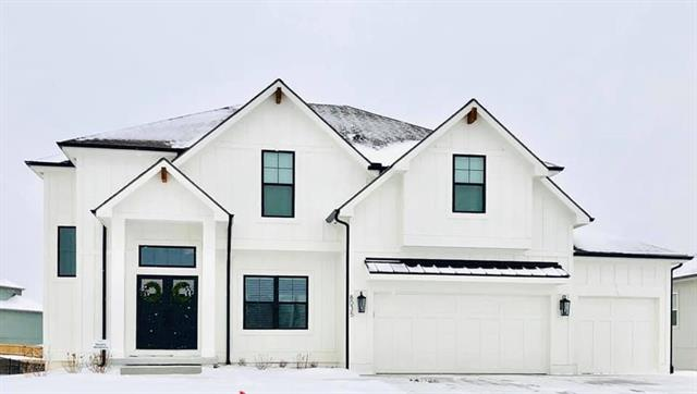 8034 NE 102nd Street Property Photo - Kansas City, MO real estate listing