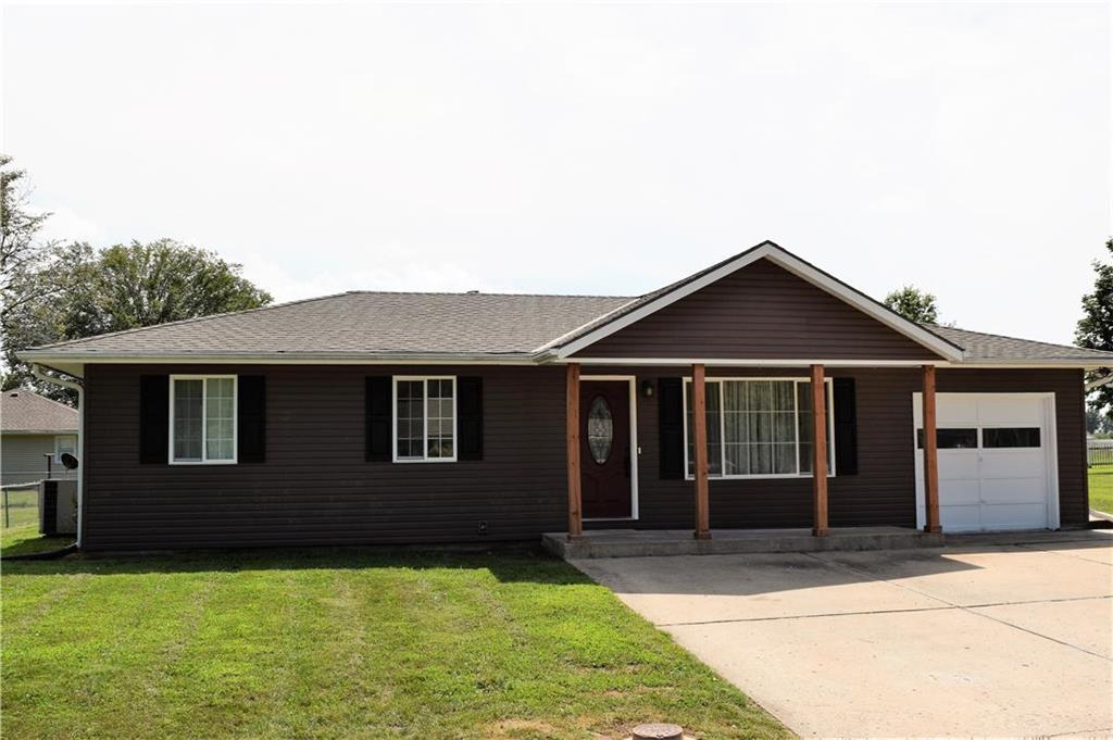 709 W 30th Street Property Photo - Higginsville, MO real estate listing