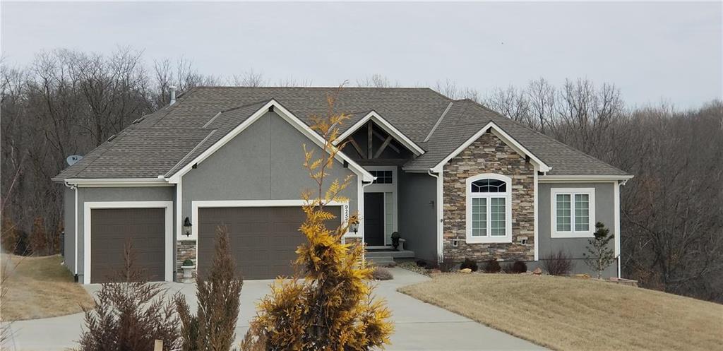 9509 N Lawn Avenue Property Photo - Kansas City, MO real estate listing