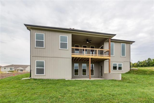 2321 NE Colonnade Drive Property Photo - Blue Springs, MO real estate listing